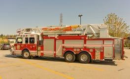 Um caminhão da emergência estacionou em um walmart no Columbia Britânica Imagens de Stock Royalty Free
