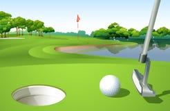 Um campo de golfe Fotos de Stock Royalty Free