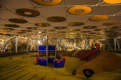 Um campo de jogos das crianças na noite fotografia de stock royalty free