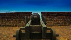 Um canhão velho no forte de Goa Fotos de Stock Royalty Free