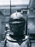 Um capacete brilhante em Armor Court em Cleveland Museum da arte - CMA foto de stock royalty free