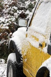 Um carro no inverno Fotografia de Stock