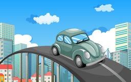 Um carro que viaja na estrada na cidade ilustração do vetor