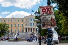 Um cartaz para NENHUM voto no quadrado do Syntagma, Atenas Fotos de Stock Royalty Free