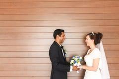 Casamento inter-racial - série 2 fotos de stock