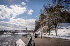 Um castelo antigo em um dia ensolarado fotografia de stock