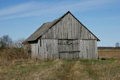 Um celeiro de madeira velho. Foto de Stock
