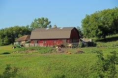 Um celeiro em uma exploração agrícola do passatempo Fotografia de Stock