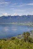 Um cenário bonito e surpreendente do lago inoperante do vulcão em Bukittinggi, Padang, Indonésia fotos de stock