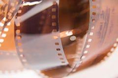 Um close up bonito de um filme análogo da foto em um fundo branco imagem de stock