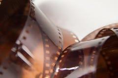 Um close up bonito de um filme análogo da foto em um fundo branco imagens de stock royalty free