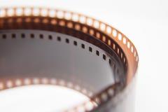 Um close up bonito de um filme análogo da foto em um fundo branco fotos de stock