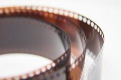 Um close up bonito de um filme análogo da foto em um fundo branco fotografia de stock
