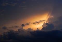 Um cloudscape dramático fotografia de stock