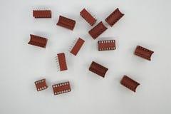 Um componente eletrônico é todo o dispositivo discreto básico ou entidade física em um sistema eletrônico usado para afetar elétr imagem de stock
