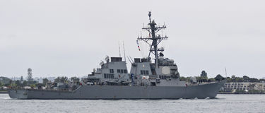 Um contratorpedeiro da marinha de Estados Unidos, USS Higgins, San baixo naval Dieg Fotografia de Stock Royalty Free