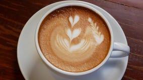 Um copo do café do Cappuccino video estoque