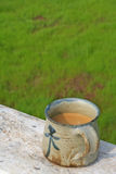 Um copo do chá do zen fotos de stock
