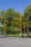 Um cruzamento de estrada de ferro sueco Fotos de Stock Royalty Free