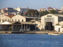 Um depósito abandonado vazio em Istambul imagens de stock