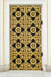 Detalhe da porta do monastério de Lavra em Kiev imagens de stock