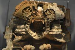 Um deus prehispanic que olha de sua versão ritual 3 da máscara imagem de stock royalty free