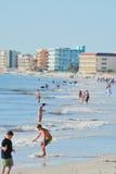 Um dia bonito na praia de Madeira no Golfo do México, Florida Imagens de Stock Royalty Free