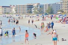 Um dia bonito na praia de Madeira no Golfo do México, Florida Imagem de Stock Royalty Free