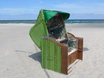 Um dia ensolarado na praia Imagens de Stock Royalty Free
