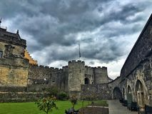 Um dia nebuloso em Stirling Castle, Escócia imagem de stock royalty free