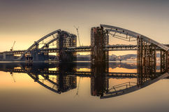 Um dia novo para uma ponte nova Imagens de Stock Royalty Free