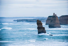 Um dia tormentoso por 12 apóstolos Victoria, Austrália Fotos de Stock