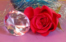 Um diamante e uma rosa Foto de Stock