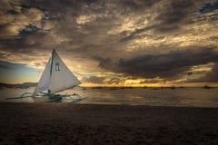 Um dos pores do sol famosos de Boracay Fotografia de Stock Royalty Free