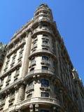 Um edifício de apartamento velho Imagens de Stock