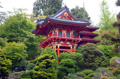 Um edifício japonês tradicional vermelho Fotografia de Stock Royalty Free