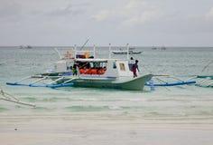 Um embarcadouro do barco na praia em Boracay, Filipinas Foto de Stock Royalty Free