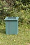 Um escaninho plástico reciclado dos desperdícios imagem de stock