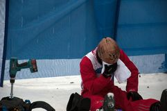 Um estilo livre Skiier após um salto falhado em um evento de campeonato do mundo em C Foto de Stock