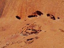 Um fim acima da erosão de uma montanha vermelha Imagens de Stock
