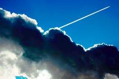 Um fim acima das nuvens no céu fotografia de stock