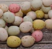 Um fim acima de ovos da páscoa colered diferentes Imagem de Stock Royalty Free
