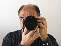Um fotógrafo com câmera Foto de Stock Royalty Free