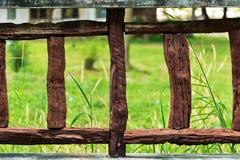 Um fragmento de uma cerca de madeira Foto de Stock Royalty Free
