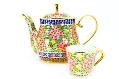 Um frasco e um copo do chá tailandês Fotografia de Stock