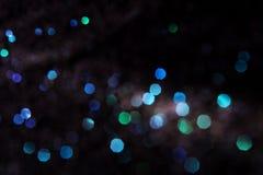 Um fundo abstrato de luzes do bokeh imagens de stock
