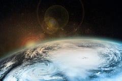 Um furacão na terra Elementos desta imagem fornecidos pela NASA imagens de stock