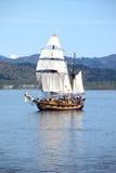 Um galleon no rio. Imagem de Stock Royalty Free