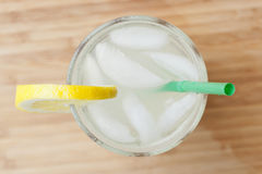 Um gelo - limonada fria Fotografia de Stock Royalty Free