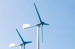 Um gerador de turbina eólica, fonte de energia alternativa foto de stock royalty free